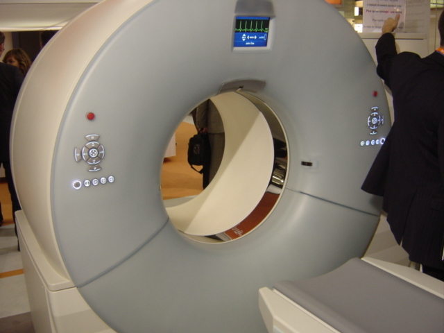 CT-scan_double_tubes.jpg